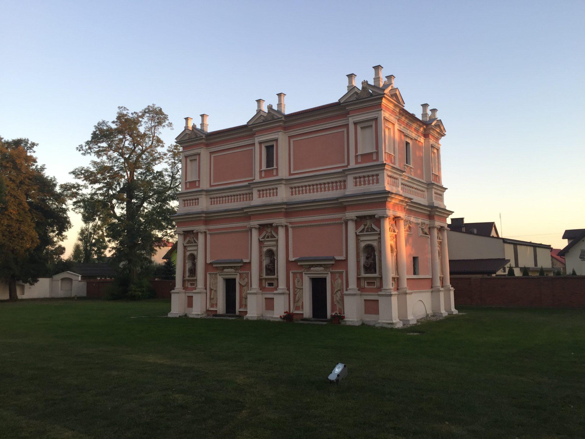 Domek Loretański w Gołębiu